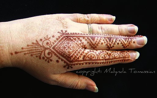 Mehndi Reaction On Hands : Henna designs mountains makedes