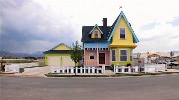 Builders Bring 39 Up 39 House To Life In Utah