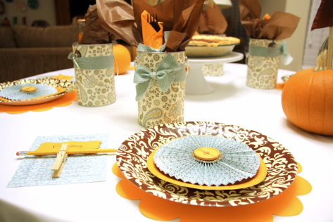 Non-traditional colors! I used the Spice Cake line from St&inu0027 Up! to inspire my color scheme. Paper Plates - Paper Plates donu0027t have to be dull ... & Studio 5 - 4 Fresh Thanksgiving Tablescapes