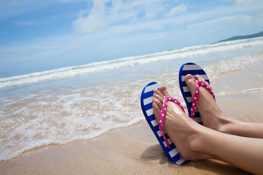 Фото ног девочек на пляже 13 фотография