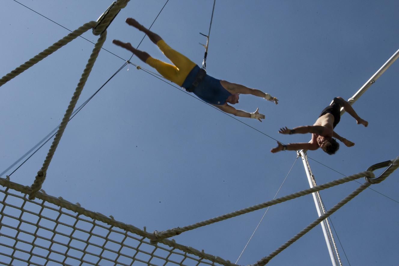 Trapeze company sets up shop in Pioneer Park