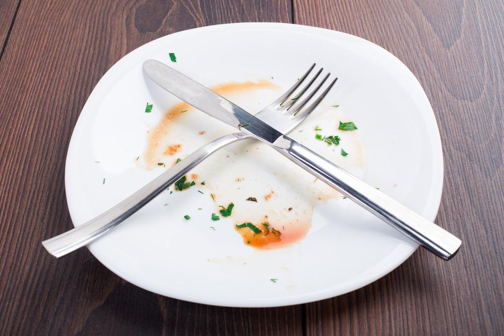 Привычка доедать все до конца может привести к ожирению