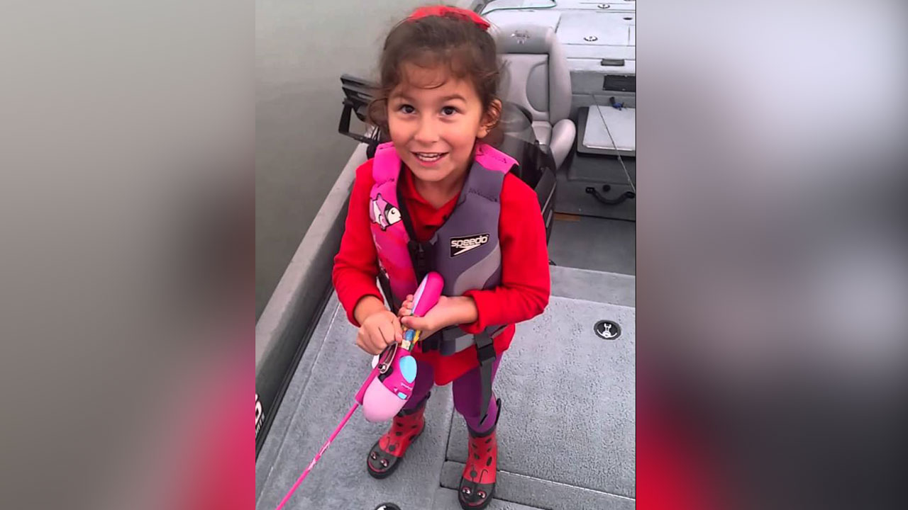 Little girl lands big bass with barbie fishing pole for Little girl fishing pole