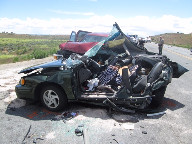 1 dead, multiple people injured in Vernal car crash