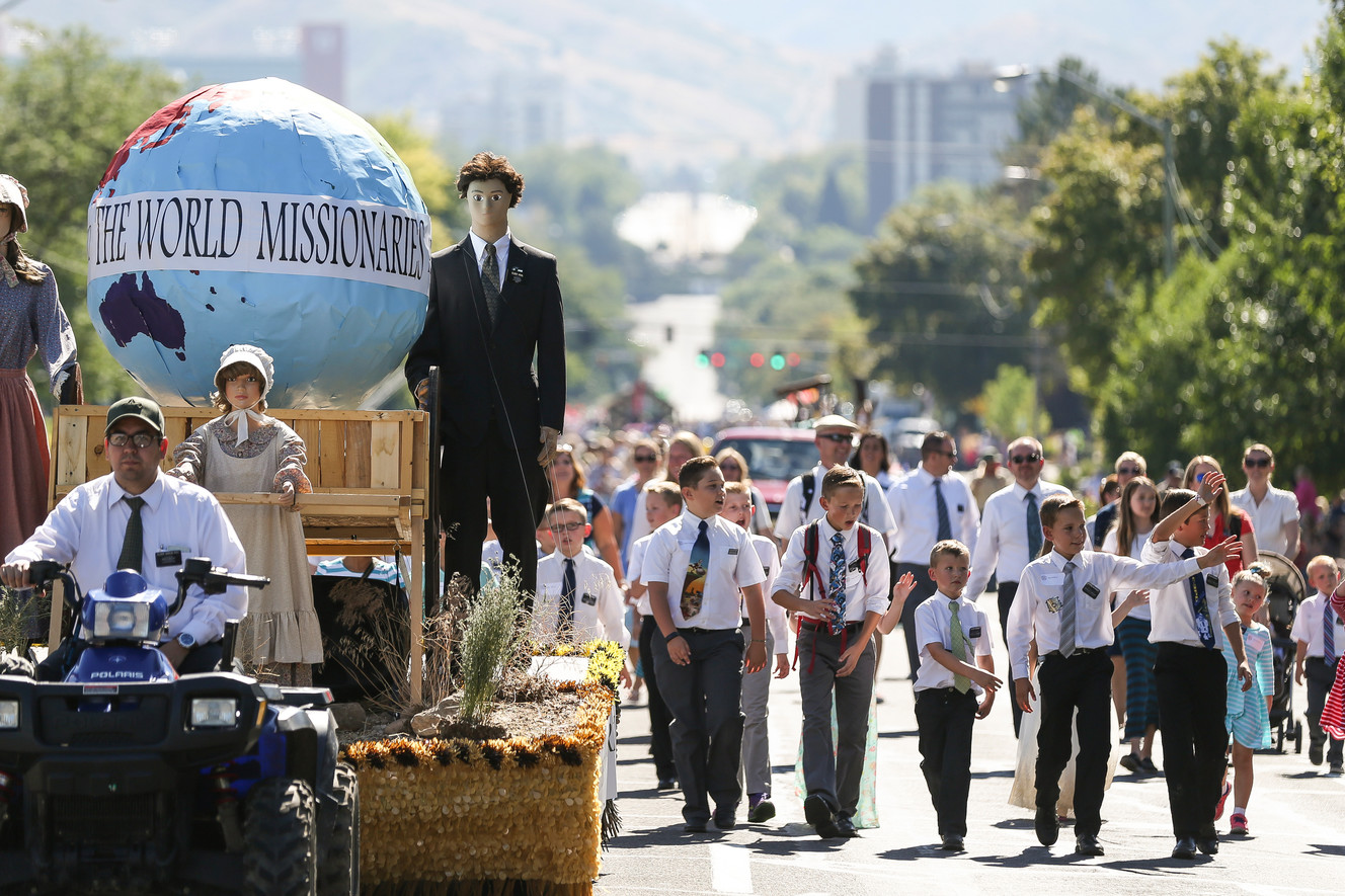 Children walk for fallen pioneers at youth parade
