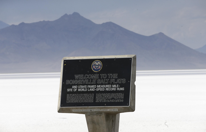 Land speed racer Sam Wheeler dies at Utah's Salt Flats