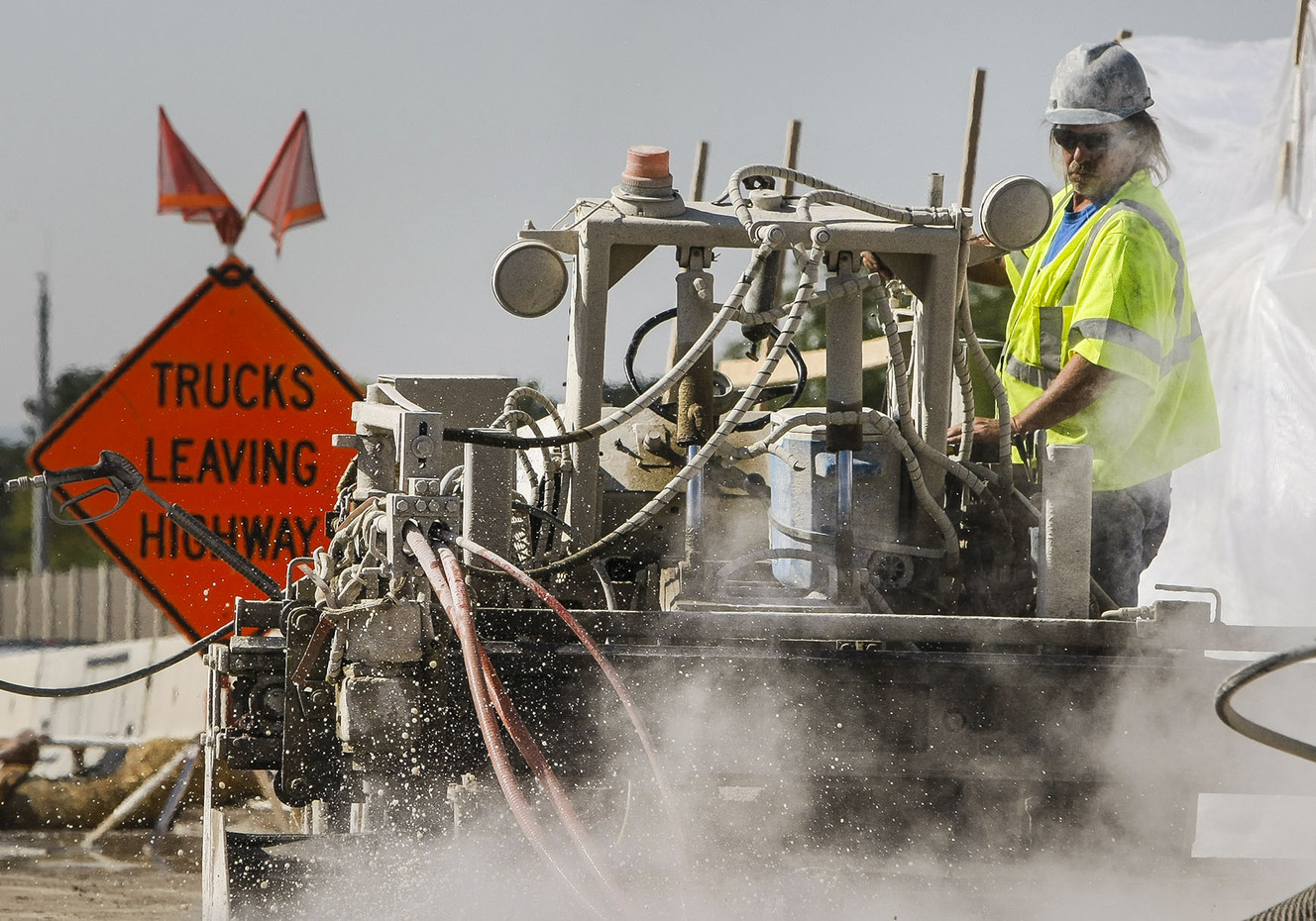 UDOT using hydro technology in I-215 bridge project