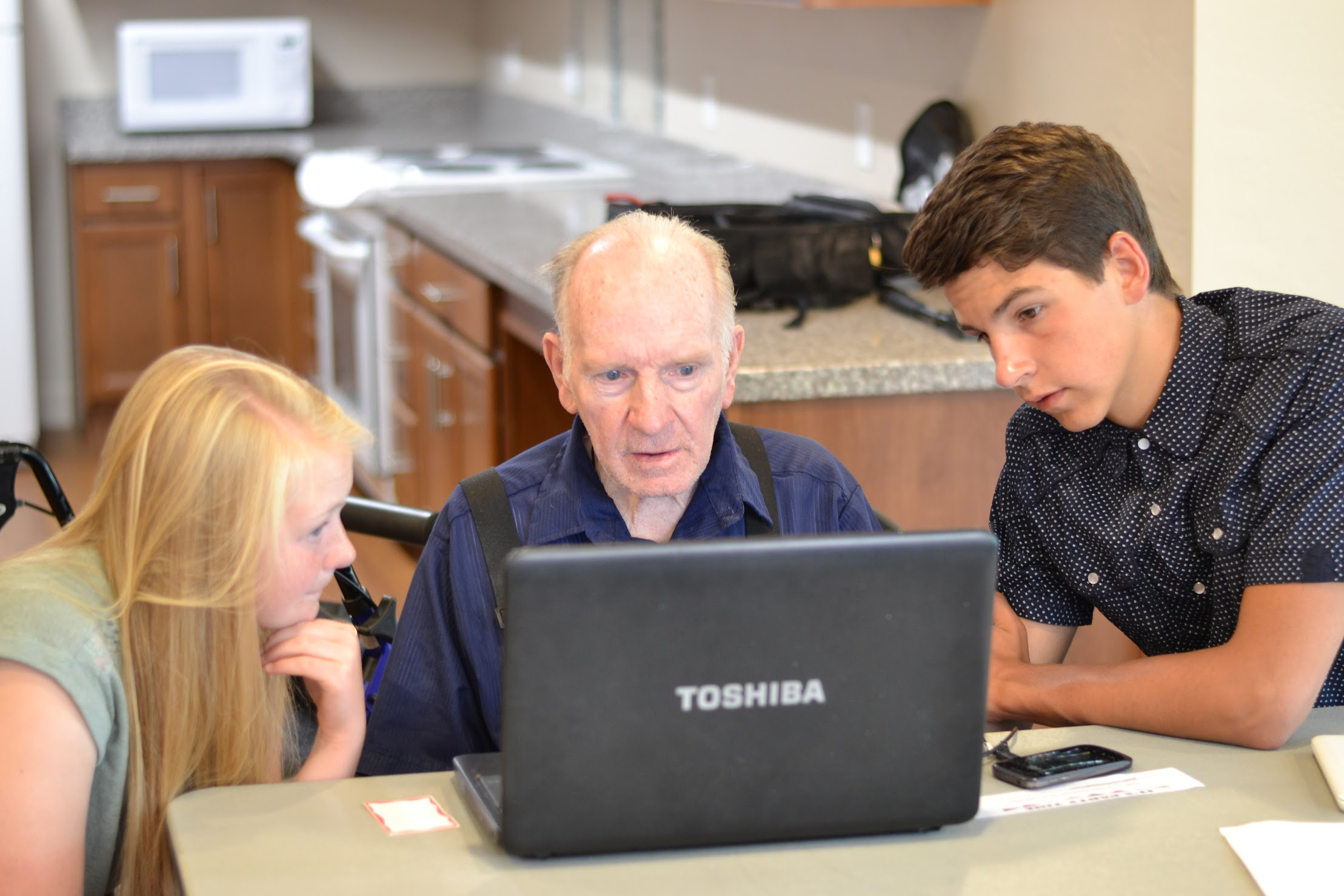 Seniors get tutored in technology by teens