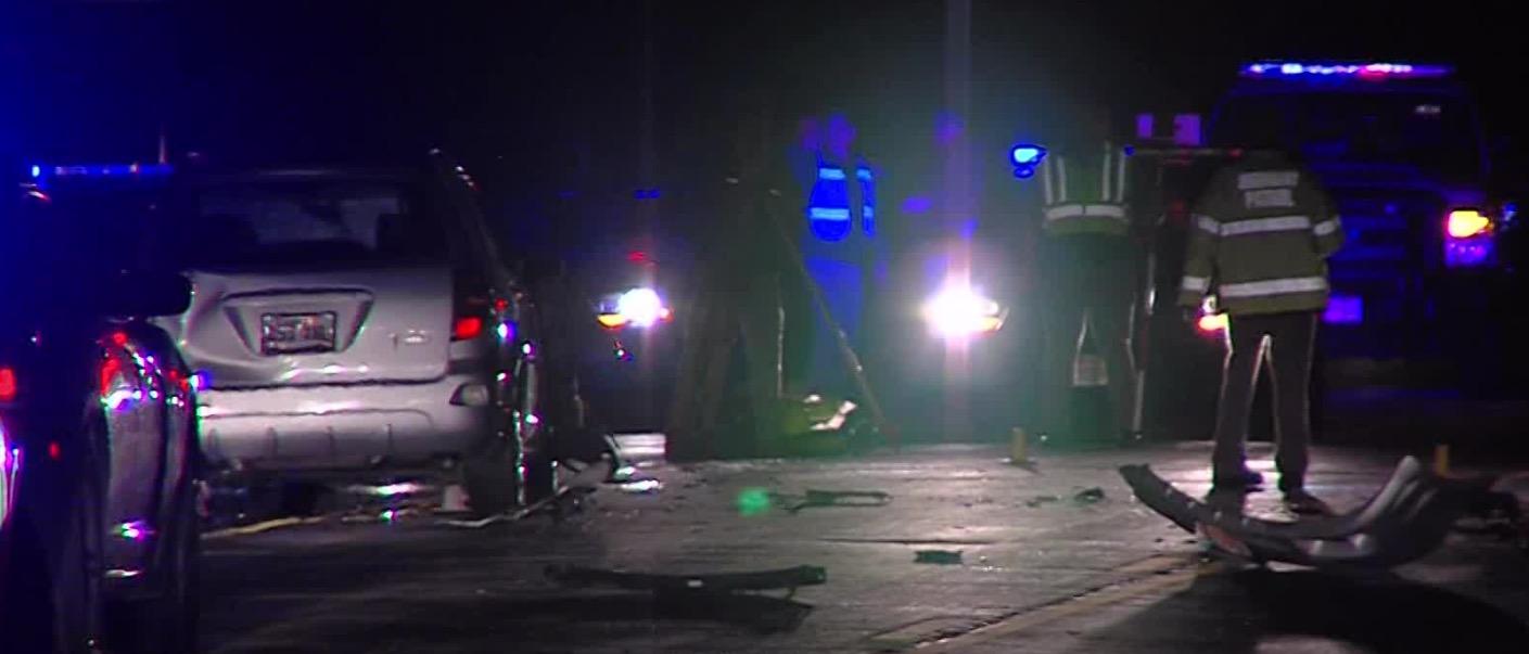 1 dead, 2 injured after 3-vehicle crash in Roy