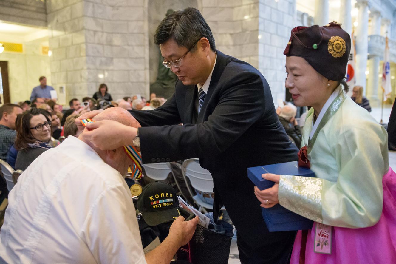 Utah veterans of 'Forgotten War' receive medals from Korean government