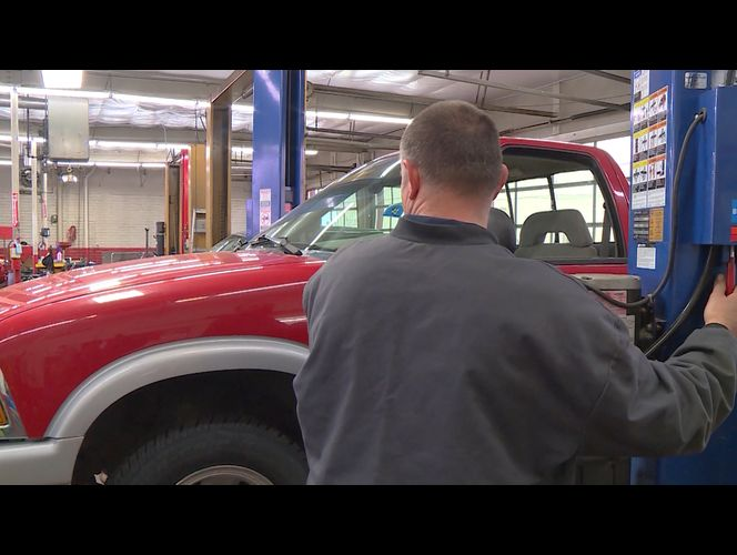 Bill to eliminate private vehicle safety inspections advances