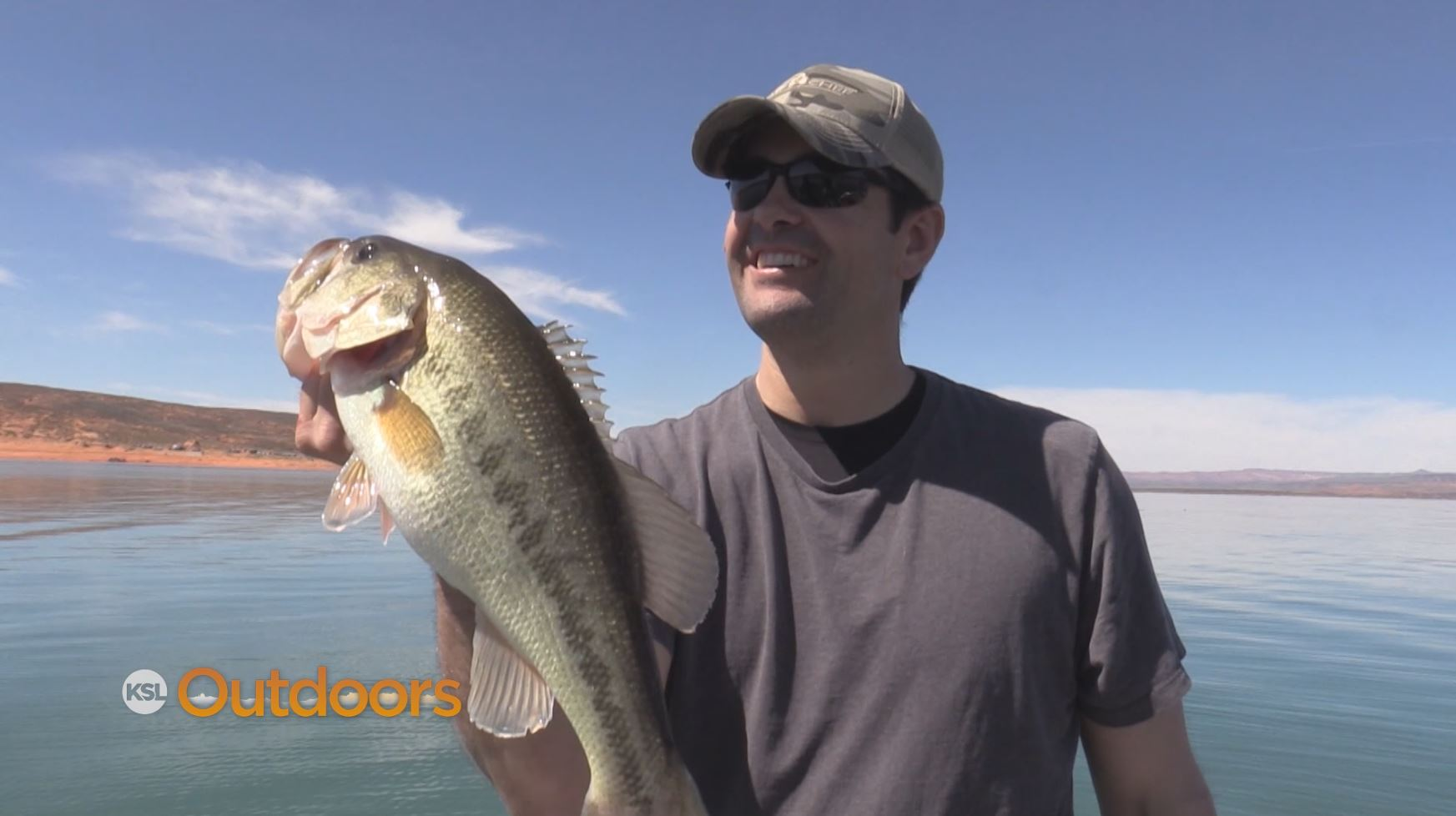 Ksl outdoors spring bass fishing at sand hollow state park for Sand hollow fishing report