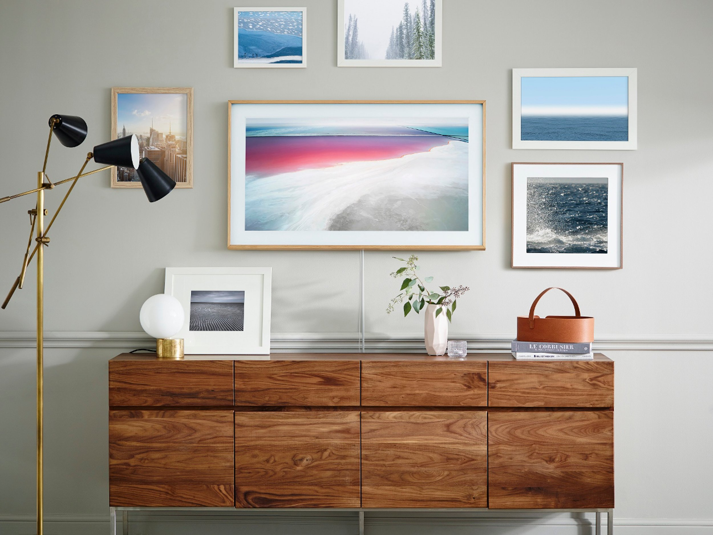 Samsung's new TV doubles as framed artwork