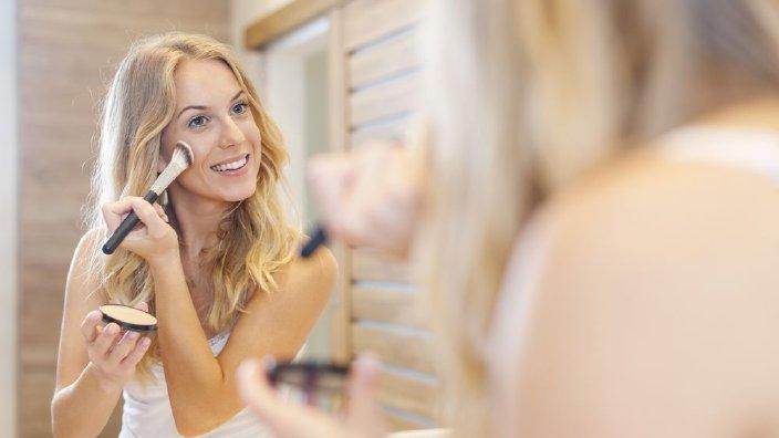 makeupwoman.jpg