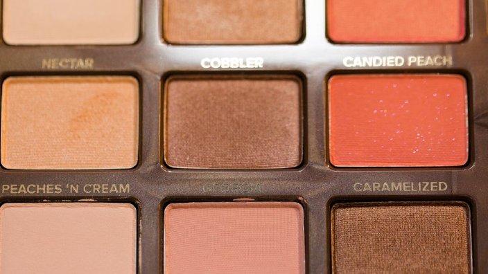 makeupshadowpallatte.jpg