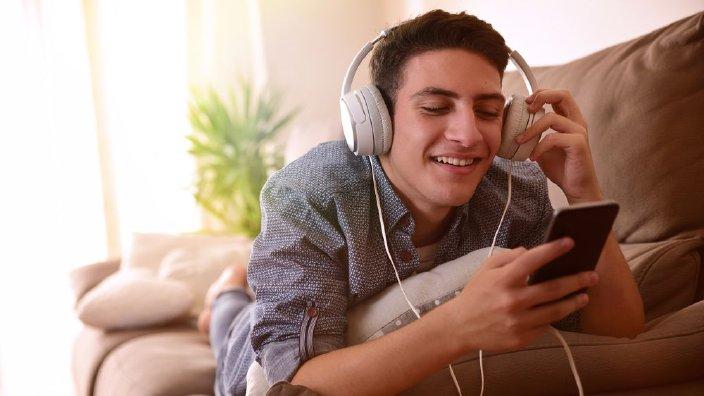 teenheadphones.jpg