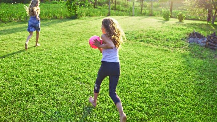 kidsplayingbackyard.jpg