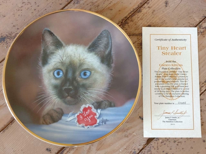 Collectible Plate - Tiny Heart Stealer (Cameo Kittens collection) for sale in Holladay , UT