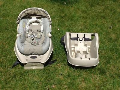 Car seat with extra base
