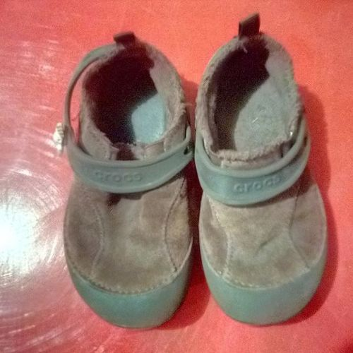 Size 11 suede clogs for sale in Plain City , UT
