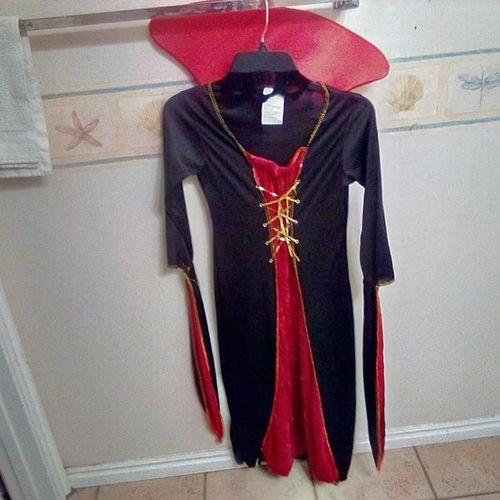 Vampire costume for sale in Plain City , UT