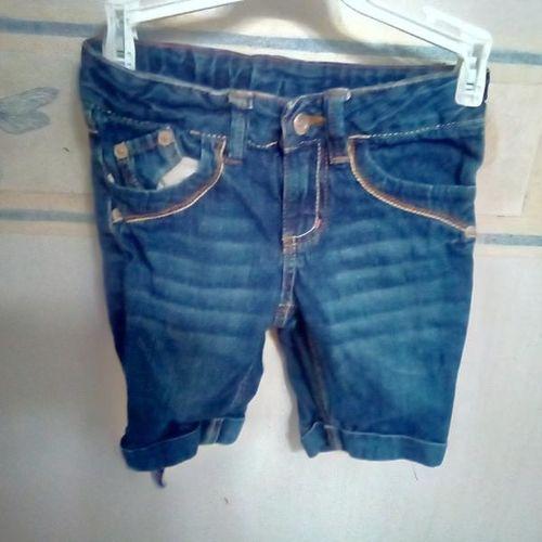 Size 6 shorts for sale in Plain City , UT