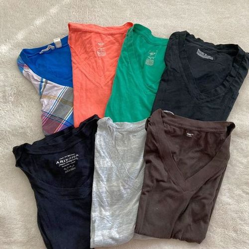 Group Of V-neck T-shirts for sale in North Salt Lake , UT