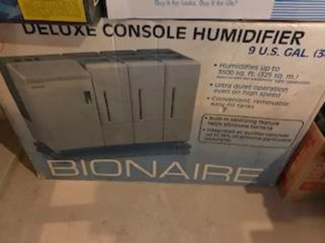 deluxe console humidifier bionaire 9 us gallon for sale in Salt Lake City , UT
