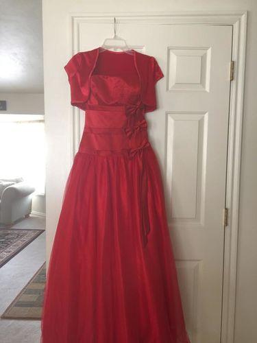* stunning Dress * for sale in West Jordan , UT