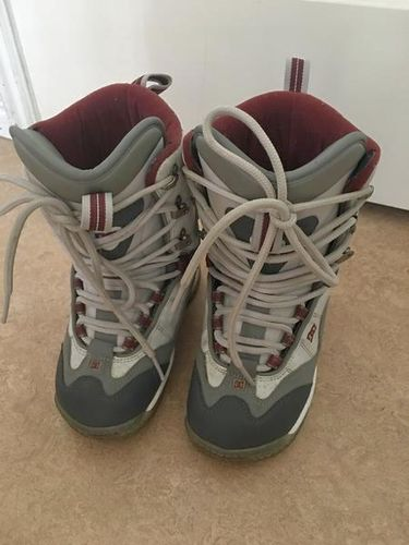 * Nice Snowboard Boots 4-5 * for sale in West Jordan , UT