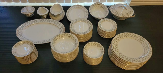Noritake China Carole 12 piece setting 79 pieces total for sale in Holladay , UT