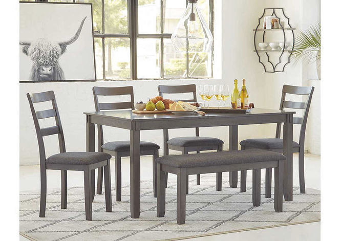 D383 Table Set with bench for sale in Midvale , UT