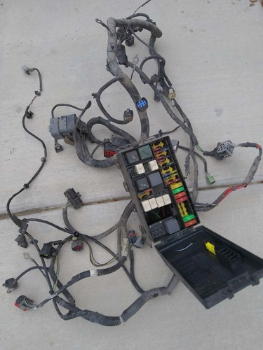 2003 FORD FOCUS ZTS 2.0L POWER DISTRIBUTION BOX(FUSE BOX AND HARNESS) for sale in Eagle Mountain , UT