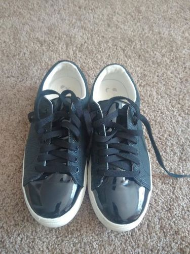Adorable Drash girls shoes size 5 barely worn for sale in Sandy , UT