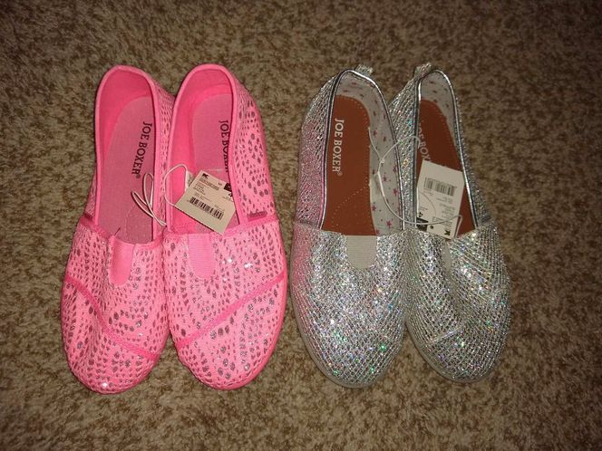 2- Joe boxer (Toms like) shoes size 4 for sale in Sandy , UT