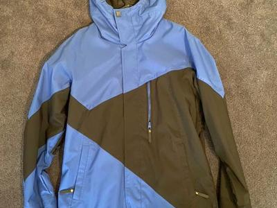 Descente Shell Jacket: Size LG