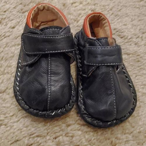 Baby shoes size 4 navy with orange soft for sale in Bountiful , UT
