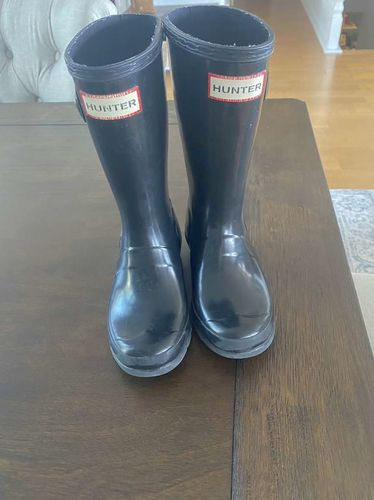Hunter Original Big Kids Gloss Rain Boots: Black  for sale in Draper , UT