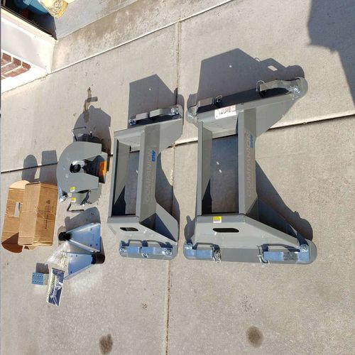 BW Companion 5th wheel hitch system parts for sale in Farr West , UT
