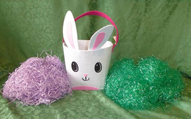 Felt Easter Bunny Rabbit Basket With 2 Bags Of Easter Grass for sale in Taylorsville , UT