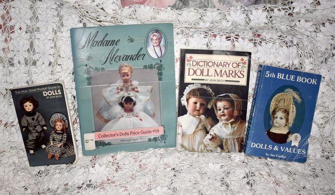 Set of 4 Collector Books on Vintage/ Antique Dolls Lot for sale in Taylorsville , UT