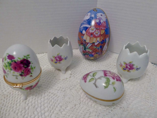 Vintage Easter Bunny Rabbit Tin & Ceramic Easter Egg Collection For Fun Decor for sale in Taylorsville , UT