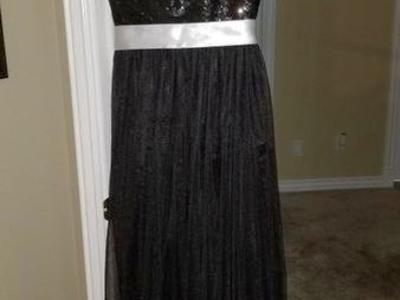 Beautiful Dress Prom / Wedding / Formal