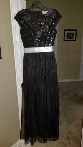 Beautiful Dress Prom / Wedding / Formal for sale in Centerville , UT