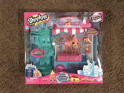 Shopkins World Vacation Hot Dog Stand!