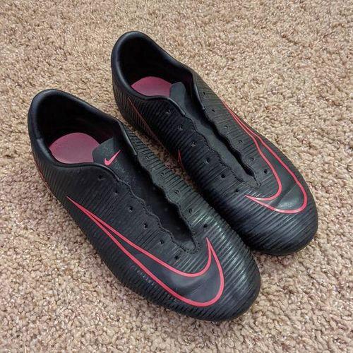 Size 4y Nike mercurial cleats for sale in Sandy , UT