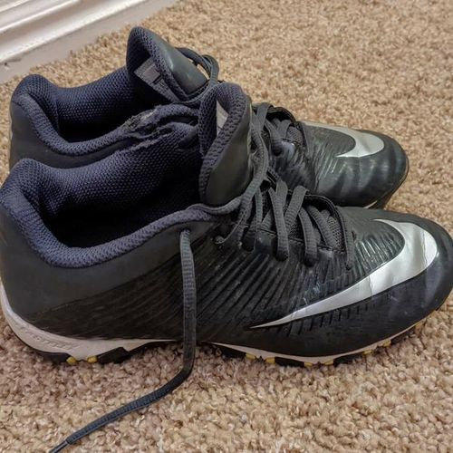 Size 3.5 youth Nike cleats for sale in Sandy , UT