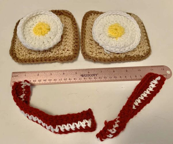 New Hand Crocheted 6 Pieces Play Food  for sale in Salt Lake City , UT