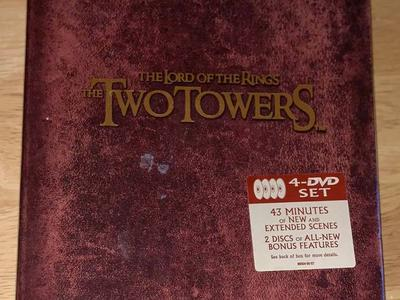 Sealed Lord OT Rings 2 Towers Spcl Extnded Edition
