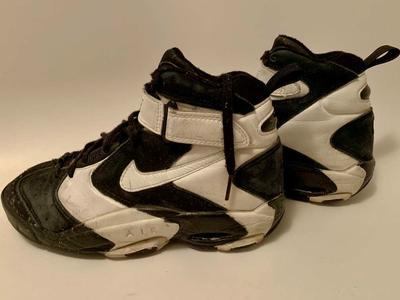 Vintage original Nike Air Up Black & White Size 7